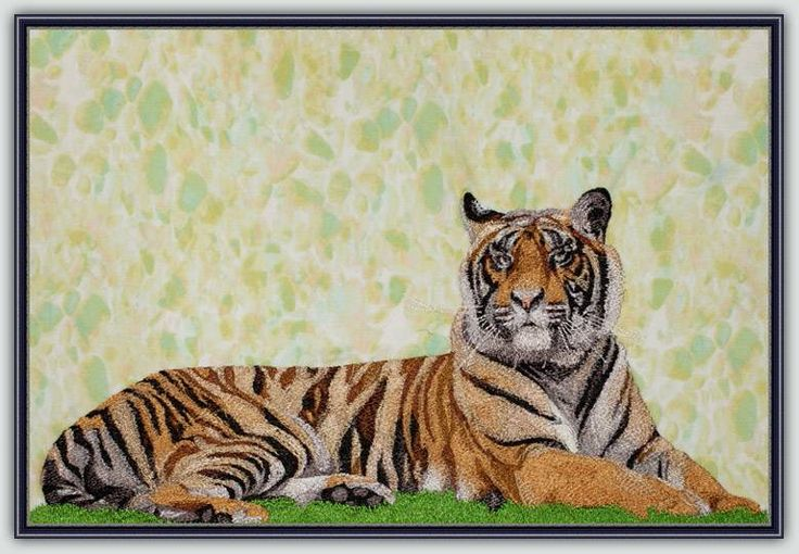 BFC1203 Large Reclining Tiger