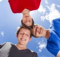 Uma praga, principalmente em ambiente escolar, minúsculos e incómodos, os piolhos podem infestar uma família ou uma turma inteira.  No regresso à escola, convém mantê-los afastados.