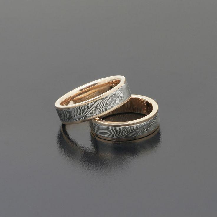 Obrączki ślubne ze stali damasceńskiej z różowym złotem