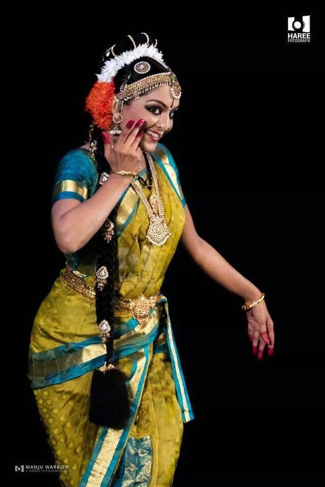 Manju warrier dance photos 6 dancers pinterest for Classic dance tracks