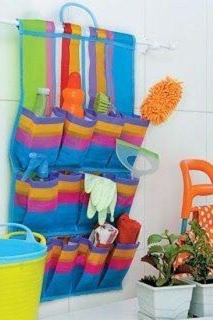 Aquelas sapateiras de feiras baratíssimas podem organizar a lavanderia ou o banheiro.   24 truques de organização que vão tornar sua vida melhor