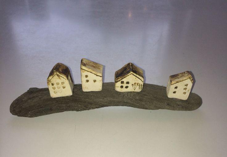 Små huse på drivtømmer 2016