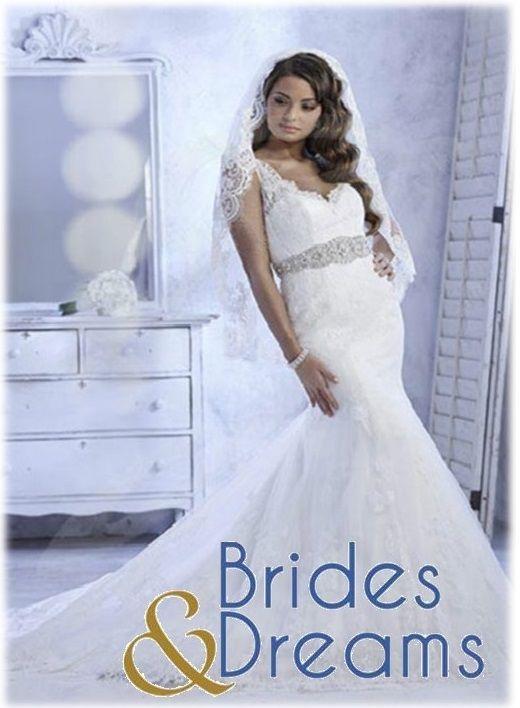 #Vestido de #Novia con un delicado #cinturón en #pedrería, este diseño es muy #romántico con un toque de #glamour. Estilos como este los puedes encontrar en Brides and Dreams ubicados en Portal de Bodas Guatemala