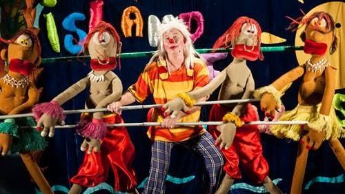 Пурим в Израиле продолжается! Ашдод превратился в Остров клоунов! Веселые Жожо и Лили празднуют Пурим вместе с вами! Море смеха, удивительные приключения и зажигательные танцы никого не оставят равнодушным!