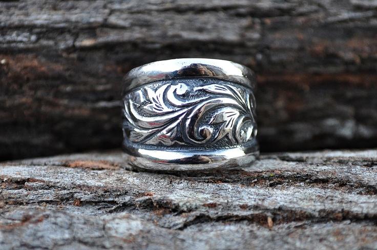Engraved silver cigar band