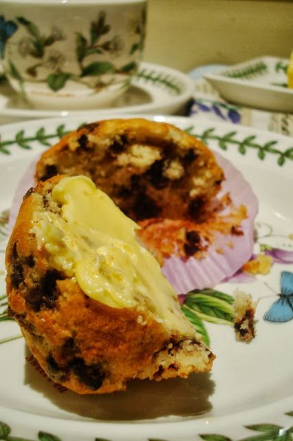 Essence:Chocolate chip bourbon-spiked banana muffins
