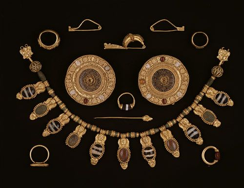 Set of jewelry, early 5th century B.C.; late Archaic  Etruscan  Gold, glass, rock crystal, agate, carnelian: 5Th Century, Ancient Treasure, Jewelry Sets, Late Archaic, Etruscan Jewelry, Archaic Etruscan, Jewelry Ancient, Century Bce, Etruscan Gold