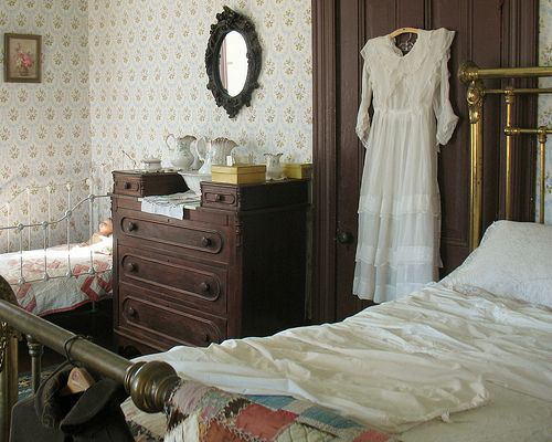 victorian bedrooms. victorian bedrooms  first and the last picture is of actual 20 best Dollhouse images on Pinterest Victorian interiors