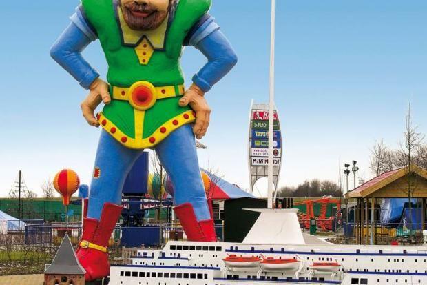 Sie machen Urlaub mit der Familie an Hollands Küste? Wir haben kindertaugliche Tipps vom Spielparadies Mini Mundi bis zum Käsemuseum in Alkmaar.