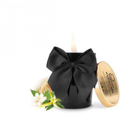 """MELT MY HEART - Aphrodisia Scented Massage Candle  Świeczka do masażu Bijoux Indiscrets z serii """"Melt My Heart"""" o wyjątkowym zapachu afrodyzjaków.     Rozpalając tę świecę rozpalisz także swoje pragnienia. Zrelaksuj się przy jej przyjemnym, ciepłym świetle i poczekaj aż olejek się stopi i uzyska temperaturę odpowiednią do umieszczenia na skórze."""