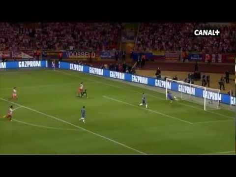 Falcao hizo así el 0-1 en la final de la Supercopa 2012 frente al Chelsea. El partido acabó 1-4 a nuestro favor y el colombiano anotó un hat trick. Canal + emitió un documental sobre el partid que se estrenó el viernes 7 de septiembre de 2012 a las 22:30 horas en Canal + Liga.