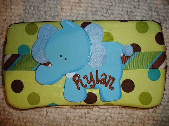 Another cute diaper wipe case.