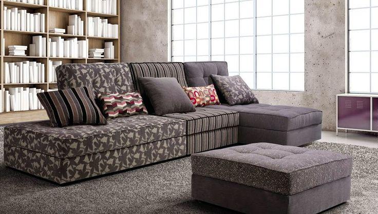 Distinta combinacion de telas para este sofa modular.