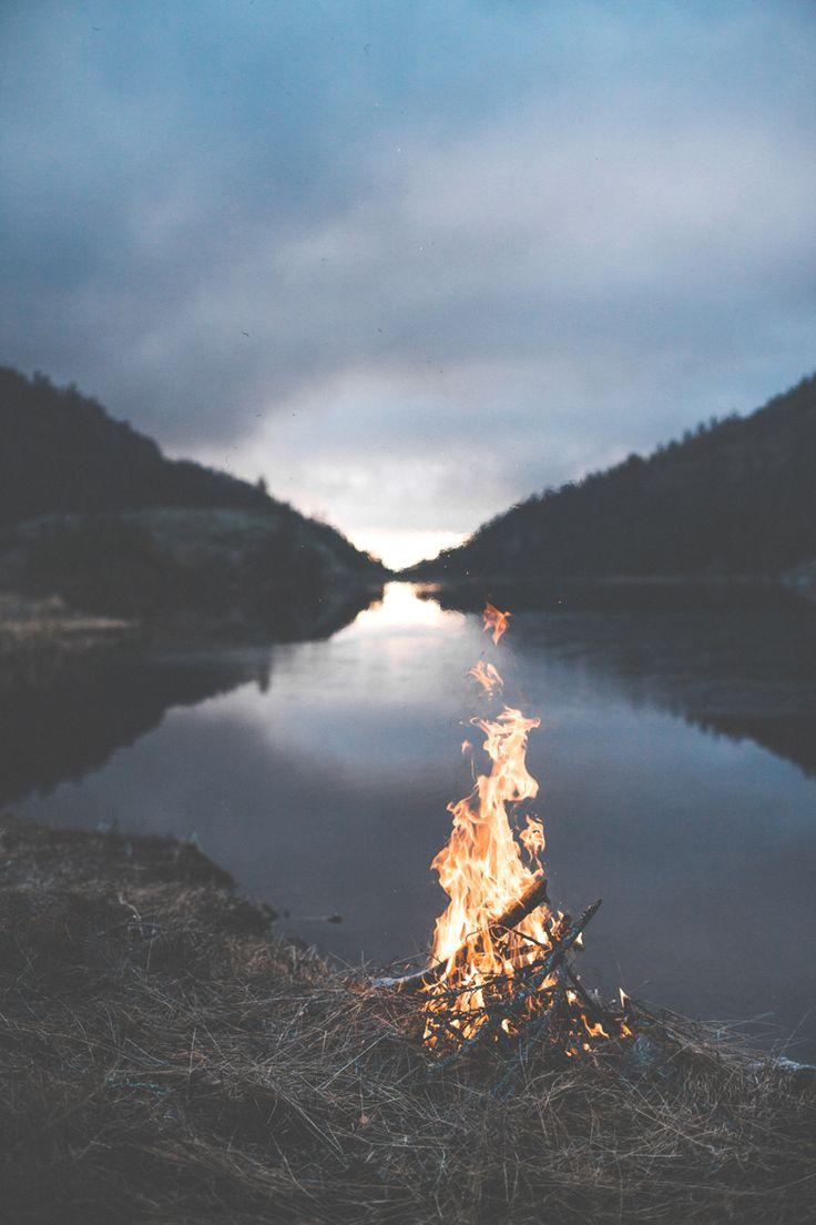 Bonfire at the Lake by Luke Gram (Man & Camera via Tumblr).