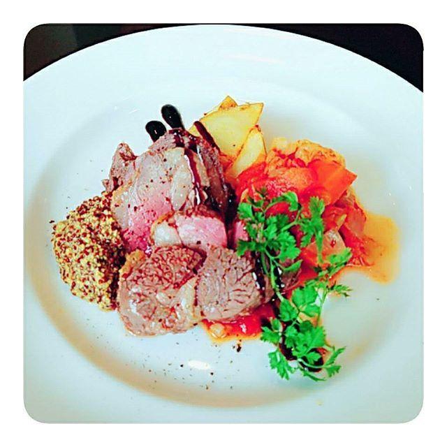 #ランチ#lunch #cocinauchida #スペイン#地中海料理 #ラムランプ肉#肉#soup#ご飯 #お誕生日#HBD#bp #熊本  友人のお誕生日お祝い㊗🤗 ラムランプ肉のlunch🍽️🍸 発熱であまり味が分からず残念🤒🤢