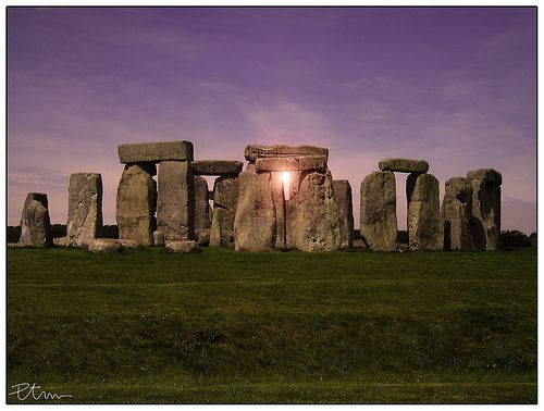 The Summer Solstice is the most important day of the year at Stonehenge and a truly magical time to be there. It's an ad hoc celebration that brings together England's New Age Tribes (n…