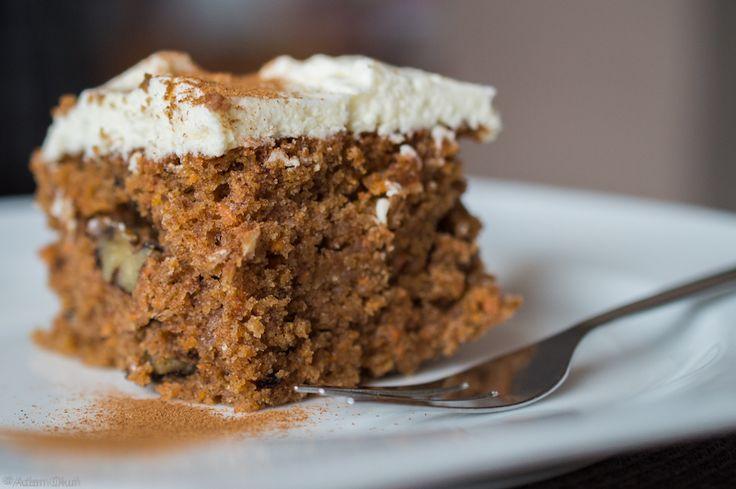 Carrot cake with lemon cream