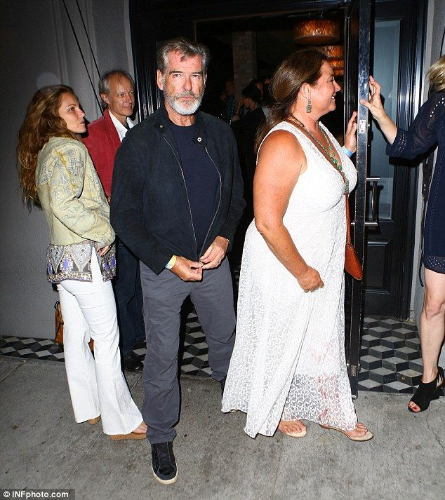 pierce dating Pierce brosnan married american journalist keely shaye smith in 2001 in  ireland the couple have two sons together, dylan thomas (born january 13,  1997).