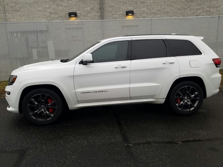 Beautiful SRT Grand Cherokee tinted 35 on the two front