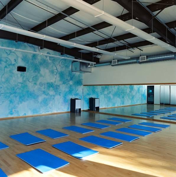Yoga Studio Lighting Ideas: 90 Best Images About Namaste! On Pinterest