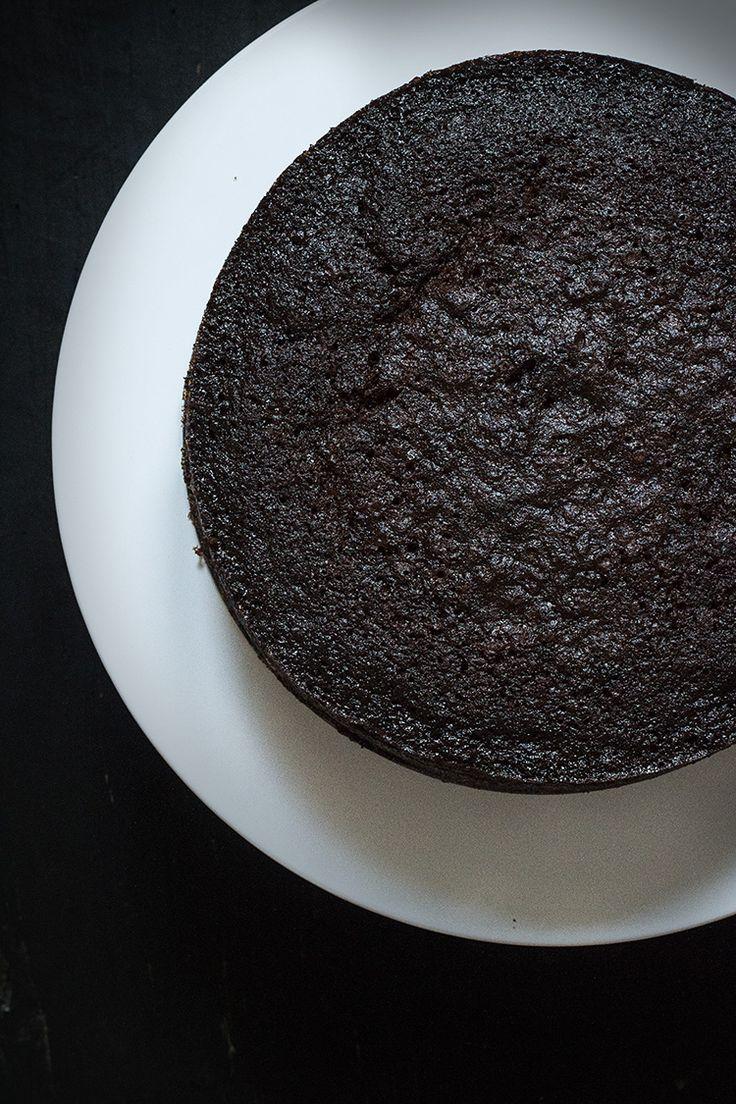 GINGERBREAD GUINNESS LAYER CAKE DE PERAS ESCALFADAS AL VINO | Sweet And Sour