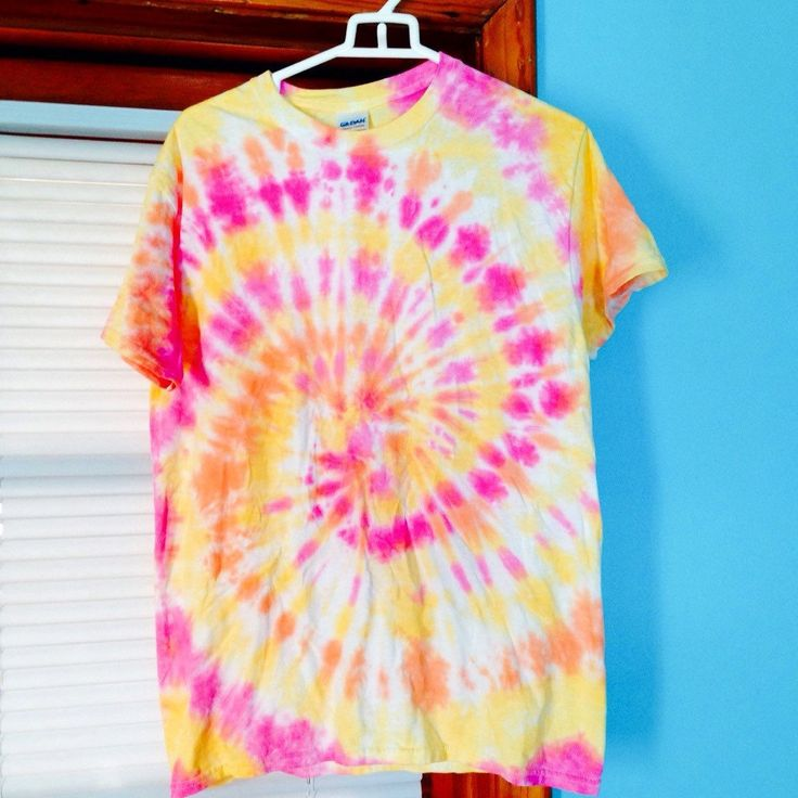 how to make a yellow tie dye shirt