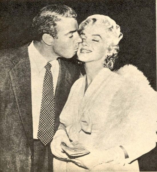 They are SO adorable together Marilyn Monroe, Joe DiMaggio