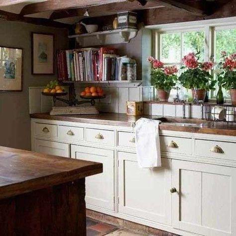 Cucine in stile cottage - Cucina di piccole dimensioni