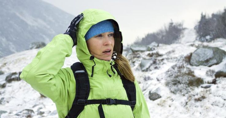 Altitude sickness is range of related conditions that can affect you when riding on a plane as well as hiking up a mountain. Living in high altitudes can cause you to get sick, too. Altitude decompression sickness causes achy joints and pain among other symptoms. Altitude sickness is treatable; consult your physician immediately if you are...