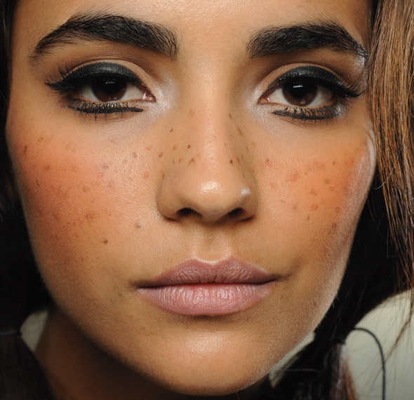 fake freckles. Hair and beauty Pinterest Freckles