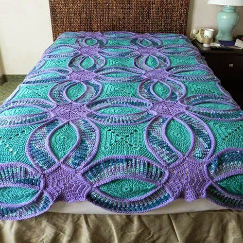 crochet Wedding Ring Quilt with free pattern