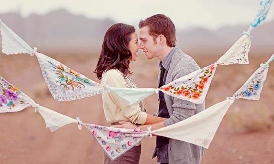 Первая годовщина семейной жизни - ситцевая свадьба. Один из самых интересных способов отпраздновать это событие - воссоздать первое свидание. Воспоминания о том, как и где все начиналось, подарят удивительные впечатления и позволят влюбиться друг в друга снова с еще большей силой.     #stylewedding#wedding#свадьба#невеста#любовь#love#семья#family#молодожены#justmarried#декор#свадьба2016#свадьба2017#свадебноеплатье#photo#followus    #wedding #bride #flowers
