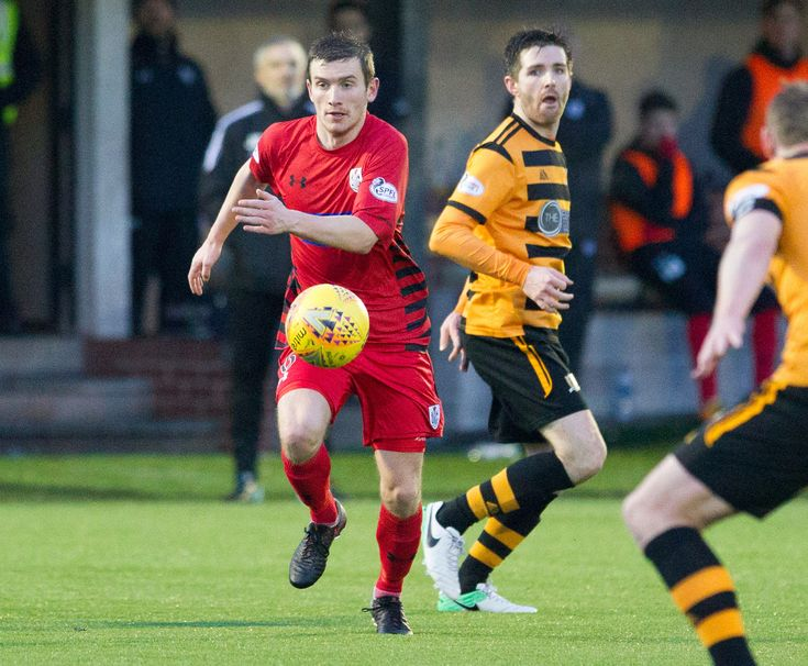 Queen's Park's Gregor Fotheringham in action during the SPFL League One game between Alloa Athletic and Queen's Park