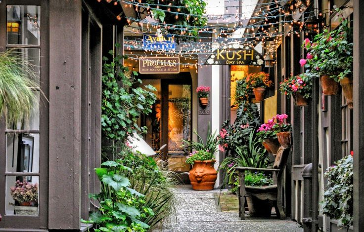 Shops in Carmel, California - the most wonderful and charming shopping and dining destination