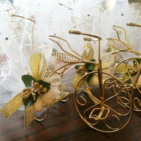 Metal dore bisikletimiz Damla hanim'in nikahina yetismek icin yola cikti bile   #nikah #sekeri #hediyelik  www.gelinbuketleri.com