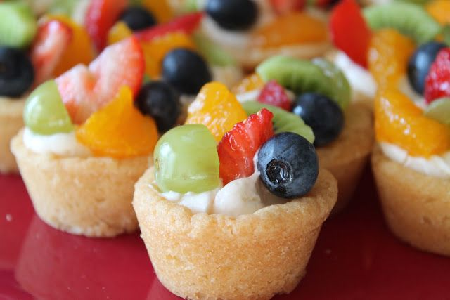 Mini Fruit Pizza Cookie Cups - thinking about using vanilla pudding instead of cream cheese for the filling.