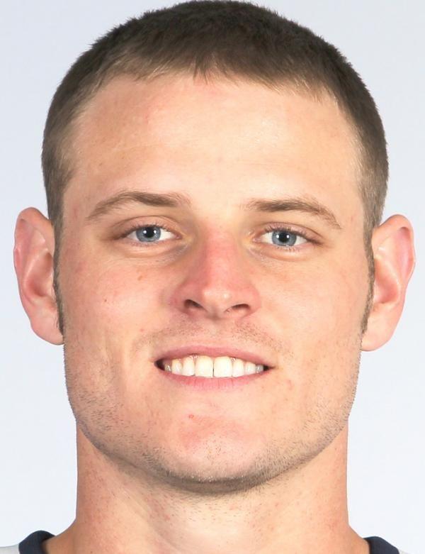 Ryan Mallett (nacido el 5 de junio de 1988) es un quarterback de fútbol americano de los Houston Texans de la Liga Nacional de Fútbol Americano (NFL). Fue seleccionado por los Patriotas de Nueva Inglaterra en la tercera ronda del Draft 2011 de la NFL. Jugó fútbol americano colegial en Arkansas. [1] Mallett pasó su primer año en la Universidad de Michigan, pero trasladado a Arkansas cuando el entrenador en jefe Lloyd Carr se retiró.