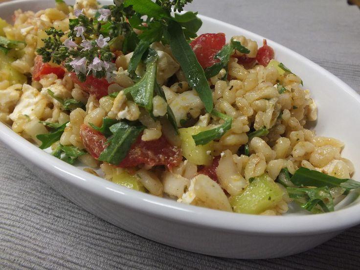 Knackiger Ebly - Salat, ein sehr leckeres Rezept aus der Kategorie Eier & Käse. Bewertungen: 94. Durchschnitt: Ø 4,3.