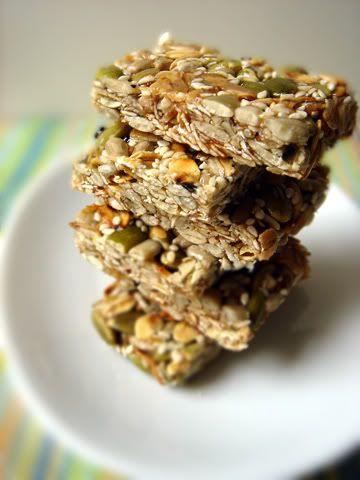 seed bar home made gonna try!!! sunflower seeds sesame seeds oat seeds honey