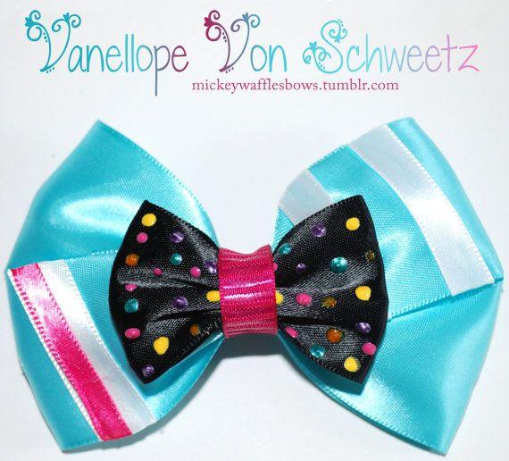 Vanellope von Schweetz Hair Bow via Mickey Waffles on Etsy <3 <3 <3