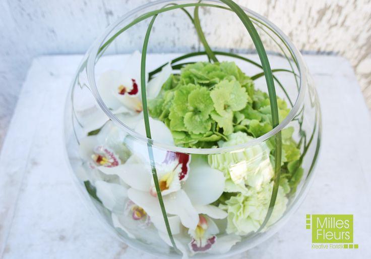 #Counter #Dekoration #Orchideen #Cymbidien #Kugelvase #Glas