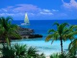 Sailing off Eleuthera  Eleuthera Point  Bahamas