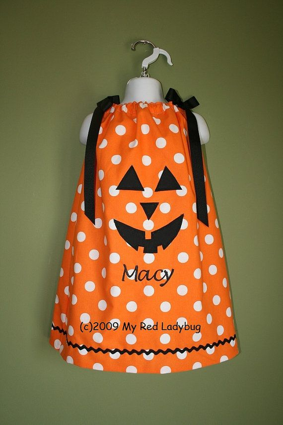 Personalized Halloween Pumpkin Pillowcase Dress por myredladybug