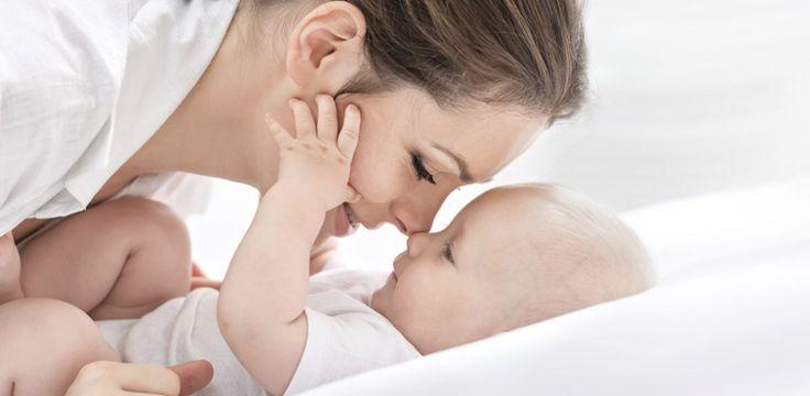 Happy Baby! 10 Dinge, die euer Baby glücklich machen - jetzt auf gofeminin.de http://www.gofeminin.de/baby/dinge-die-babys-glucklich-machen-s1307330.html