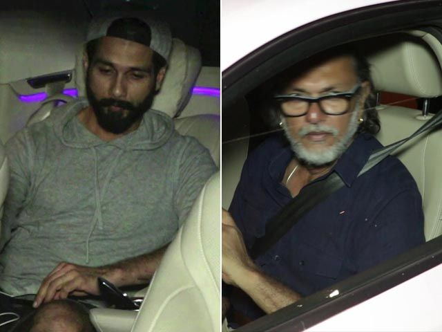 Shahid Kapoor & Rakeysh Omprakash Mehra Spotted Outside Aamir's House