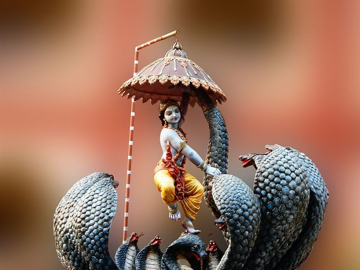 Ujjayi - hinducosmos:   Krishna Kaliya (via Dolls of India)