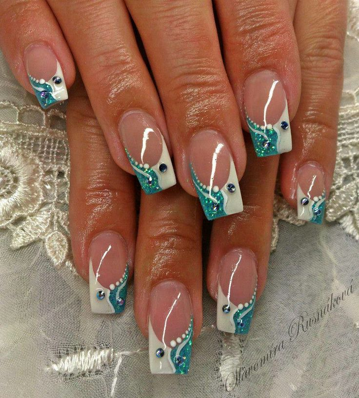 Glitter francia nails blue