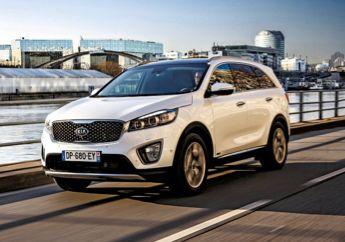 """Kia Sorento. """"Ruée sur les SUV"""" Il y a quatre ans, les 4 x 4 représentaient moins de 10 % du marché. Ils dépasseront les 30 % en 2015, soit une voiture sur trois. Chronique d'un succès qui ne fait que commencer."""