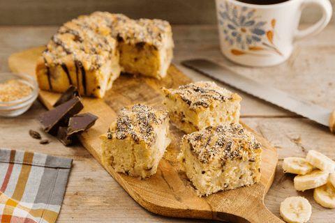Is de smaakcombinatie banaan, kokos en chocolade glazuur je favoriet? Met deze variant Cake Special bak je een heerlijke cake!