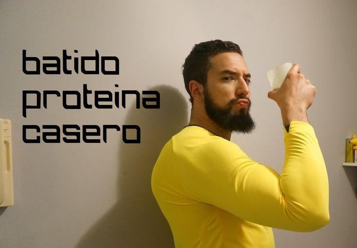 Batido de Proteína Casero Sin Suplementos - Adicto al Fitness Este batido de proteina caseso sin suplementos tiene un contenido altisimo de proteina! Son ing...
